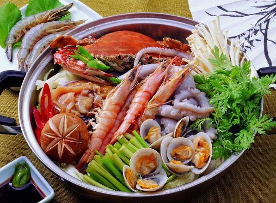 吃海鲜不能喝什么酒?吃海鲜为什么不能喝啤酒