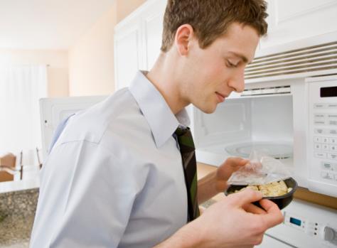 上班族带饭族怎么热饭?微波炉加热饭如何保持水分