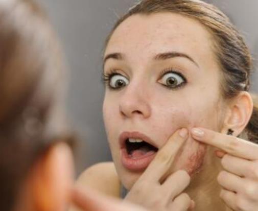 怎么有效去除草莓鼻 如何预防草莓鼻 毛孔粗大怎么办