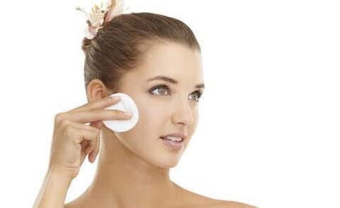 皮肤分为哪几种类型 油性肌肤该怎么改善和护理