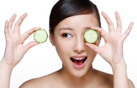 黄瓜敷脸的功效与作用 黄瓜面膜制作方法与注意事项