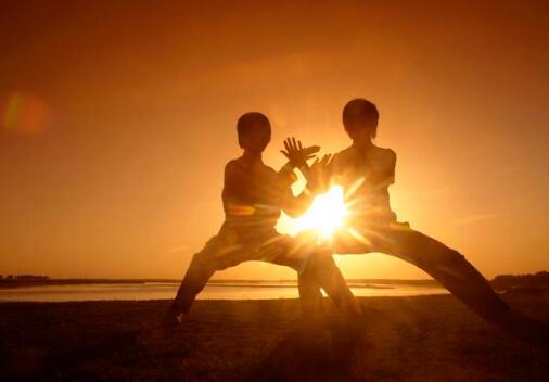 在早上的时候,我们就会看到有很多老人家在打太极拳,别看太极拳