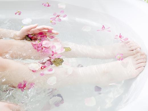 泡脚的好处-热水泡脚有什么好处-泡脚与养生 -