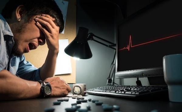 经常熬夜的危害有多大 熬夜过后补一觉就能恢复吗