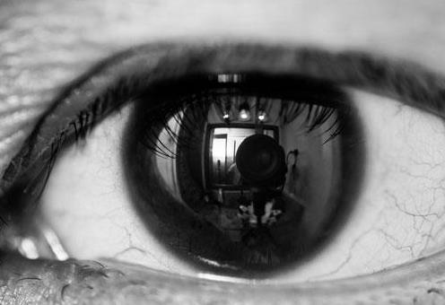 视网膜脱落是怎么引起的?视网膜脱落一定要做手术吗