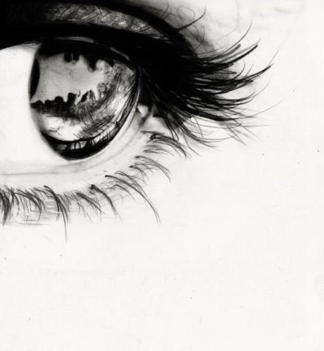 视网膜脱落的症状有哪些?视网膜脱离术后注意什么