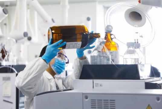 接种新冠疫苗后能喝啤酒吗?皮肤过敏能打新冠疫苗吗?