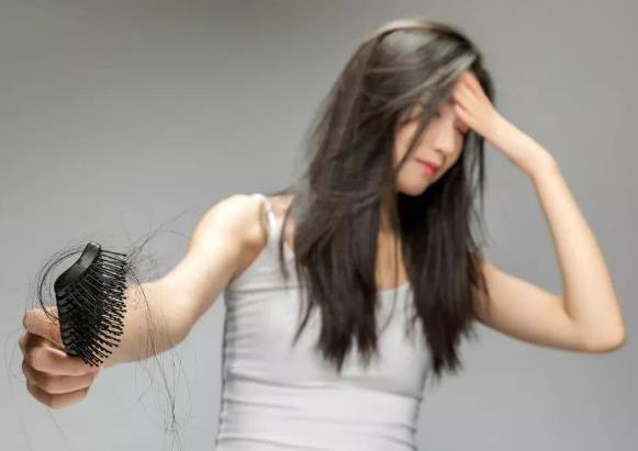 女生脱发吃什么?如何预防脱发