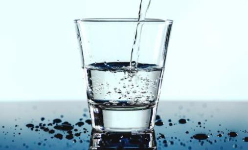 """关于怎么喝水的""""喝水行程表"""" 多喝水有什么好处"""