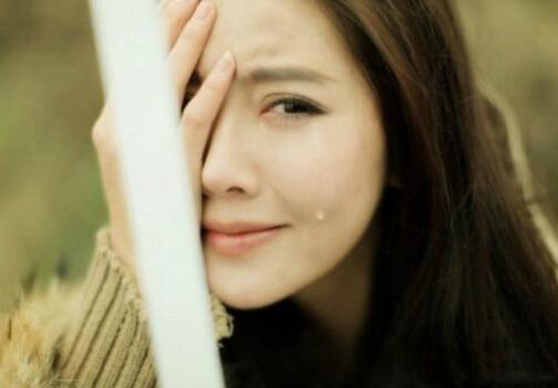 眼睛哭肿了怎么消肿?双眼皮术后如何消肿