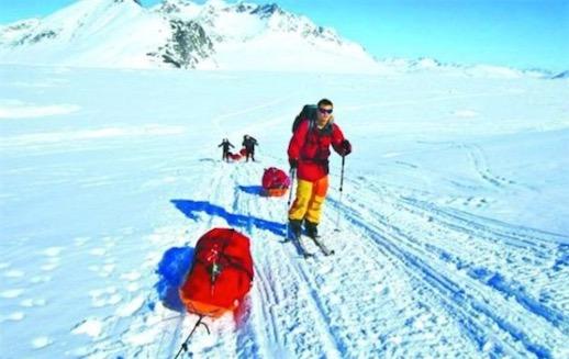 史上征服南极最年轻的人 英国人Lewis Clarke在16岁征服南极