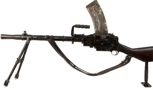 世界上第一款成功的轻机枪 麦德森轻机枪百年内参与了大量战斗