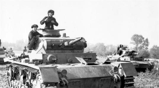 规模最大的闪击战 由希特勒在1941年发动