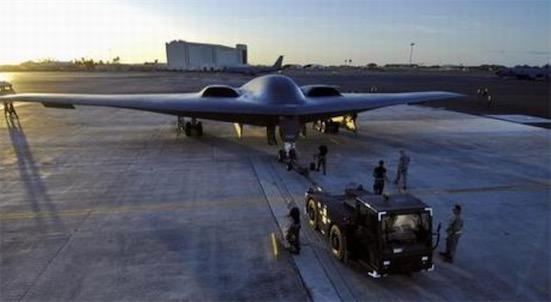 世界上最贵的飞机 B-2轰炸机高达24亿美元