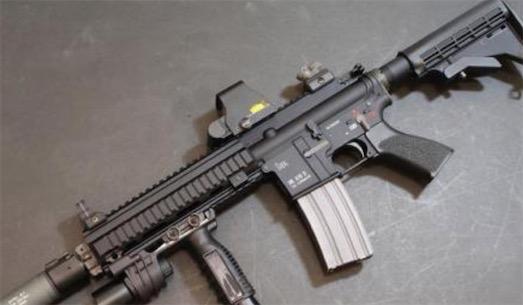世界最致命突击步枪 HK416采用短行程导气式自动方式