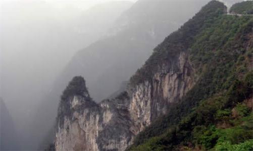 重庆市的最高点 阴条岭海拔2886米