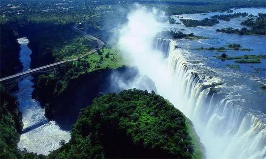 声音最大的瀑布 维多利亚瀑布轰鸣声震耳欲聋