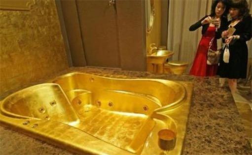 世界最大黄金浴缸 150千克的黄金浴缸惊现东京