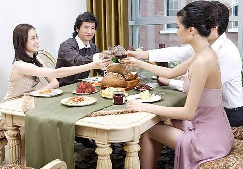 """女人用餐注意什么?女士用餐礼仪八个""""不"""""""