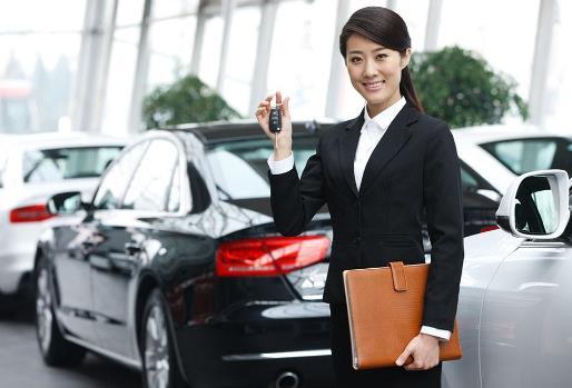 汽车销售人员面试如何做自我介绍