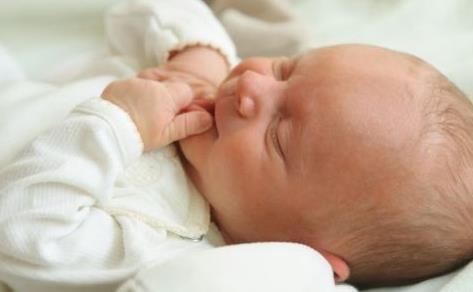 产后恶露和月经的区别 产后恶露反复不尽该怎么办