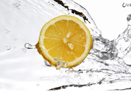 柠檬祛斑的方法-柠檬片祛斑美白的误区