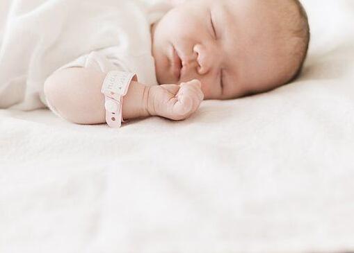婴儿枕头装什么好?婴儿枕头怎么选?