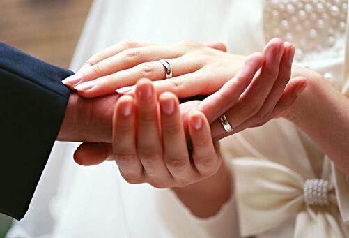 金婚送什么礼物?结婚周年祝福语