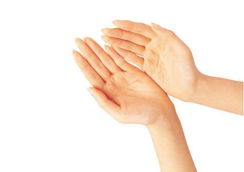 手脚出汗是什么原因?手脚出汗怎么治疗?