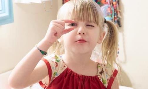 儿童频繁眨眼睛是怎么回事 孩子老是眨眼睛该怎么办