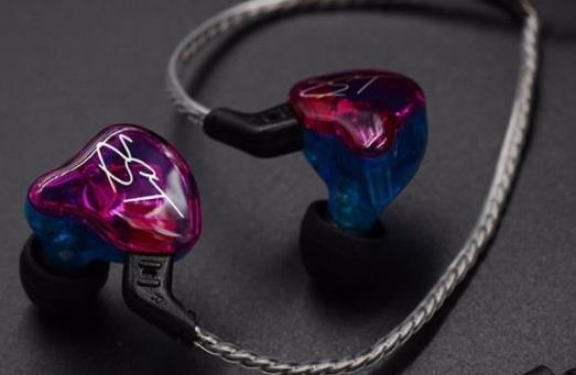 好用的百元有线入耳式耳机,KZ ZST圈铁耳机、小米耳机舒适稳定