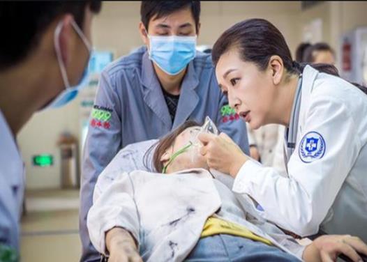 最适合看的十部医疗电视剧,急诊科医生、青年医生都很热血
