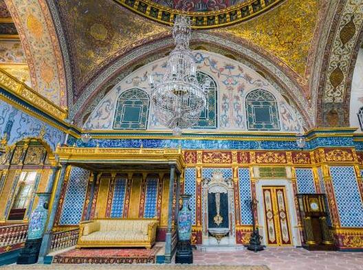 世界十大著名宫殿排行榜,故宫历史研究价值高、布达拉宫气势恢宏(图8)