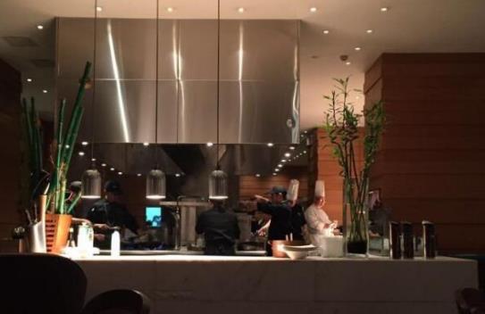 苏州高端西式餐厅美食排行榜好吃的特色西餐厅有哪些?里瓦地中海扒房、OMBRA湖影56号环境雅致(图1)