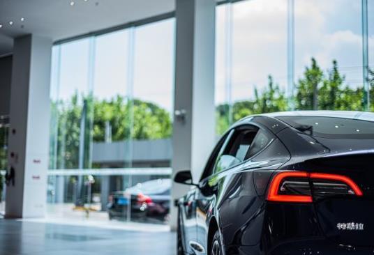 2021年新能源汽车十大品牌,特斯拉知名度高、雷克萨斯风格新颖