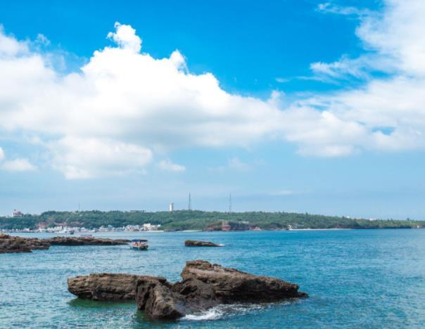 中国十大最美海岛旅游景点排行 三亚简直就是一座为度假而生的春城