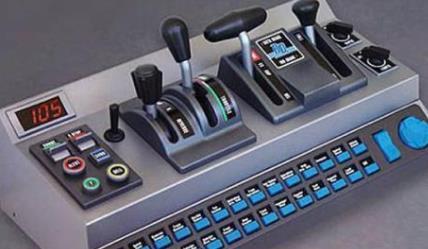 盘点令人望尘莫及的土豪游戏装备 火车驾驶员操纵杆外设售价300美元