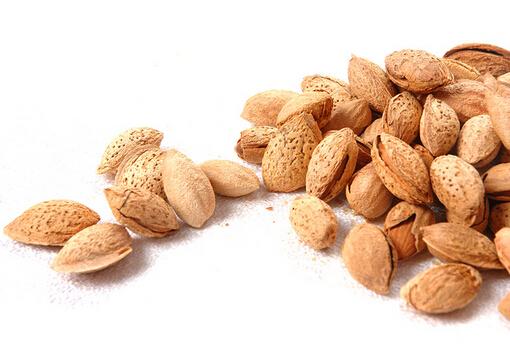 巴旦木的功效与作用-巴旦木和杏仁的区别