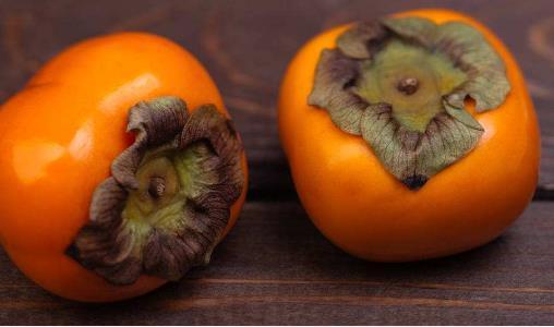 柿子是寒性食物吗?柿子的药用价值有哪些?