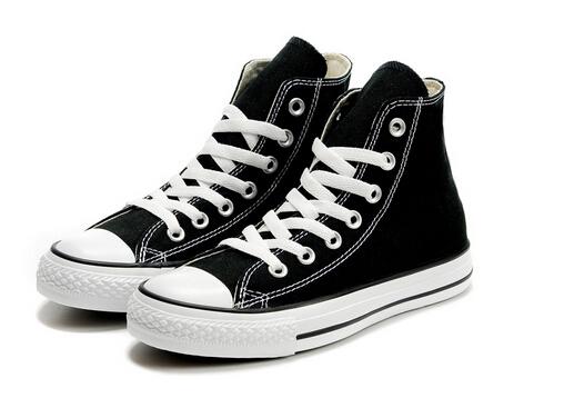 白色帆布鞋怎么洗?板鞋清洗方法