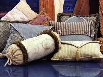 清洗枕头如何保持蓬松柔软-枕头要经常晾晒杀菌