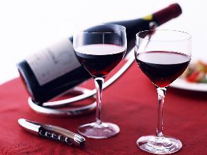 浅色地毯上的红酒渍怎么洗-怎样去除红酒渍