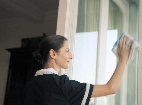 怎么样擦玻璃-怎样擦玻璃才干净-洗窗诀窍