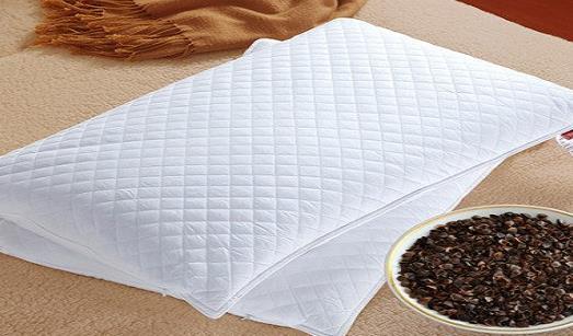 你知道枕头有多少种类吗 如何选择枕头 枕头多久更换一次