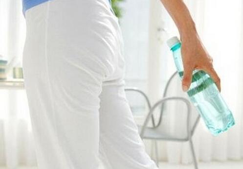 塑料回收标志-喝水的塑料瓶可以反复使用吗?
