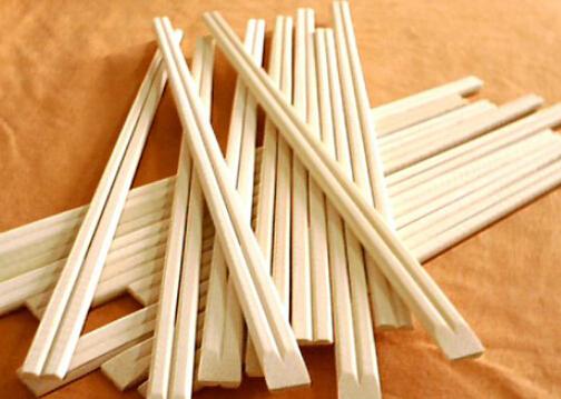 一次性筷子对环境和人体都有哪些危害