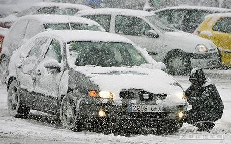 冬季汽车保养常识:【生活应用】冬季汽车空调、电瓶、轮胎、座椅养护常识
