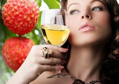 如何选购优质的果酒?果酒的选购技巧