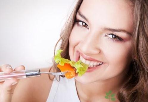 利用少吃多餐来减肥?-360常识网跑步减肥什么时候瘦肚子图片