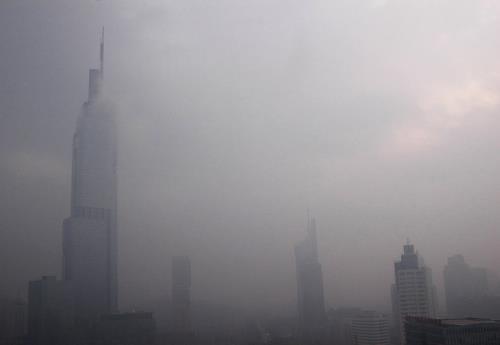 """健康呼吸 谁来拯救写字楼里的""""雾霾天"""""""